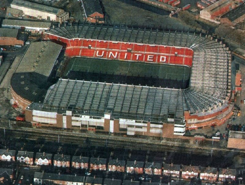 how to get to old trafford